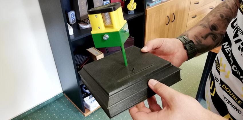Első 3D nyomtatott alkatrész a KLS-200 Kft-nél
